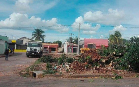 """Em ação conjunta: MPE e Prefeitura promovem demolição da """"Boca da Julita"""" Mato Grosso"""