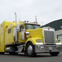 Go Fast Turn Left Racing - Crew Truck on Kenworth W900L 008
