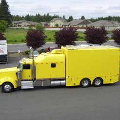 Go Fast Turn Left Racing - Crew Truck on Kenworth W900L 023