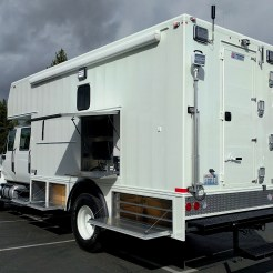 SWAT Team Command Truck Vehicle (4)