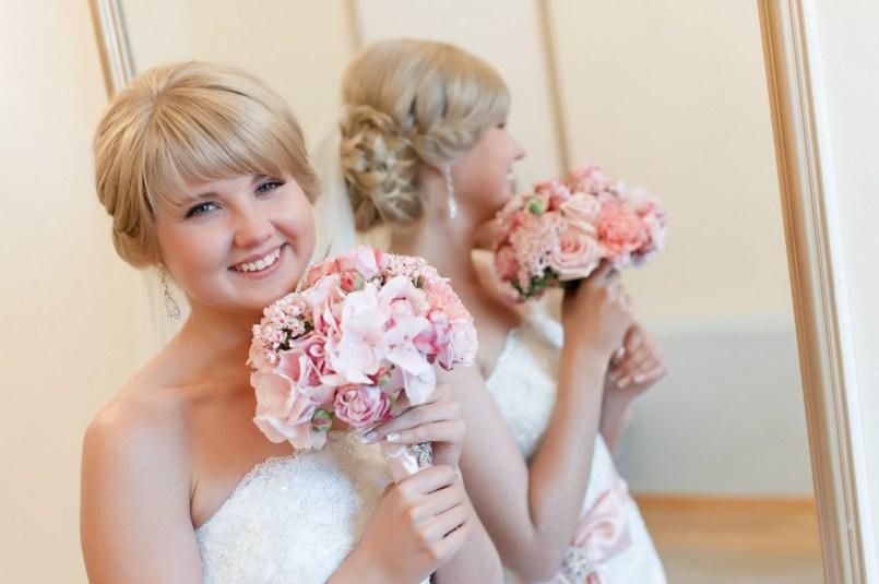 Нежно розовый свадебный букет
