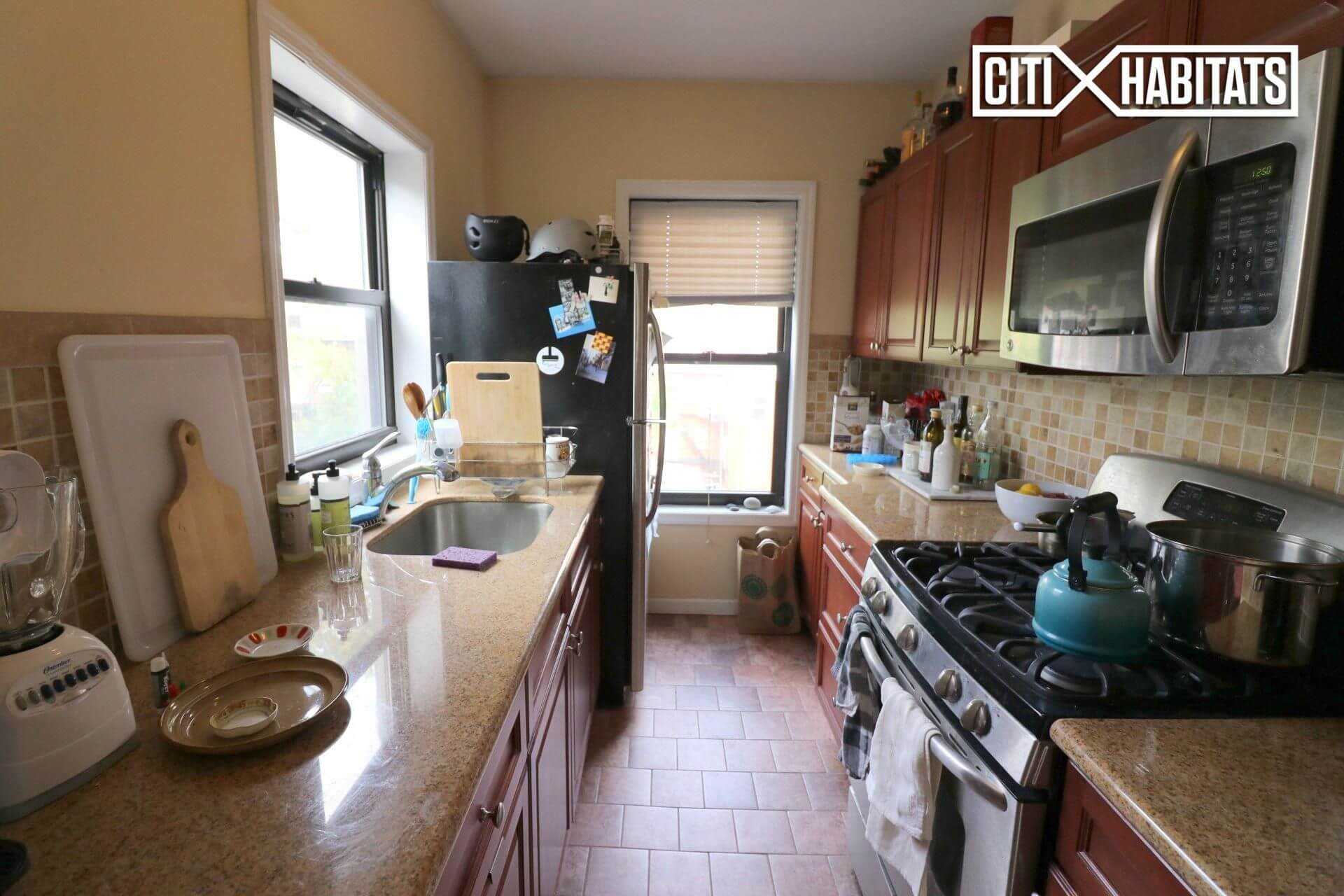 Large OneBedroom With Mantel Details in Greenpoint Near