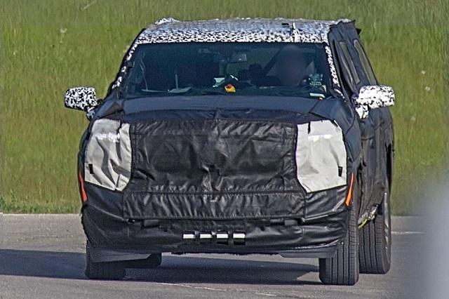 2021 Chevrolet Suburban Spy Shot