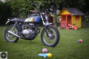 City scrambler - http://7seven.si/portfolio-our-motorcycles-contact/projects/honda-250-city-scrambler/