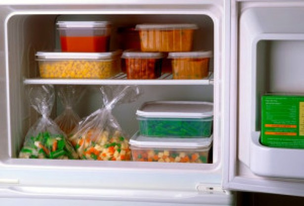 dailymedicalinfo_7_photolibrary_rf_photo_of_frozen_vegetables_in_freezer-2
