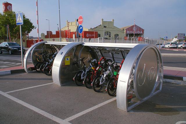 Las bicicletas solares en el puerto de València