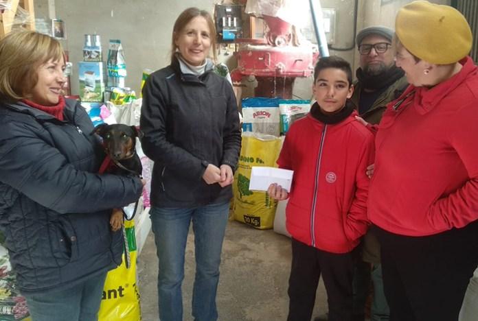 Donación de 700 euros a protectora de animales tras la muerte de un perro