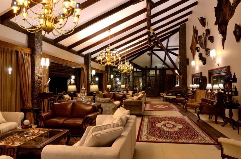 Oldian Mountain Lodge LOunge 2