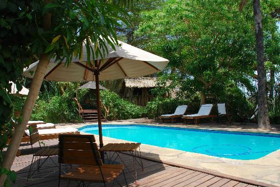 kisima-ngeda-tented-camp Poolside
