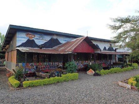 red-rocks-rwanda-campsite