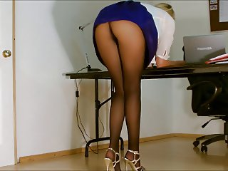 office girl blowjob