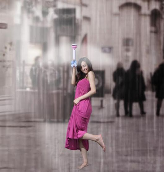 Fed Up Of Your Umbrella Breaking? Check Out The Air Umbrella!