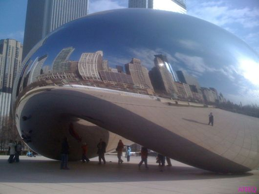Amazing Cloud Gate in Chicago, USA