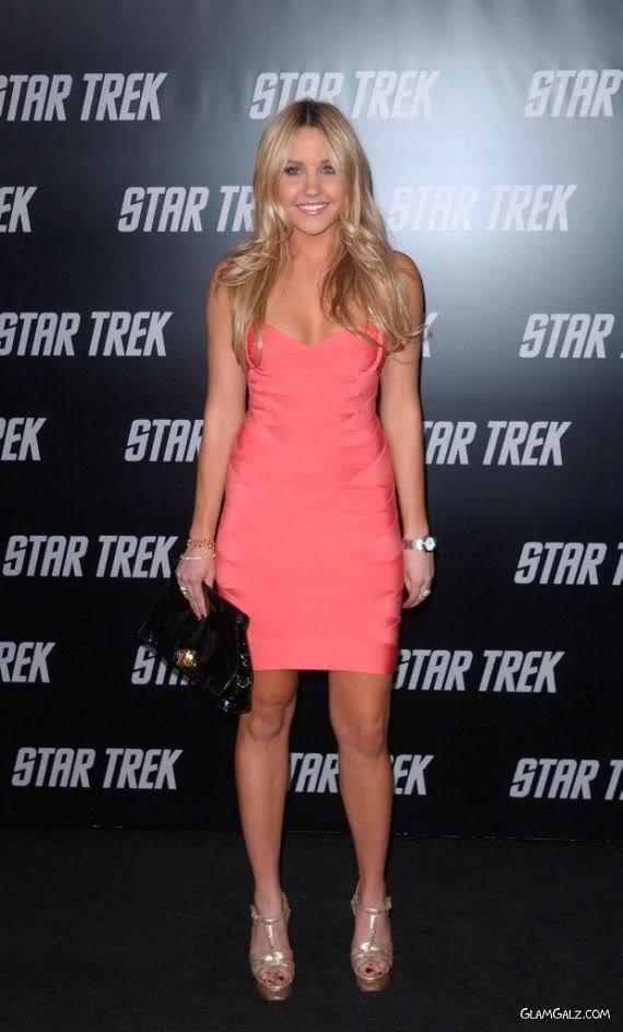 Pretty Pinky Amanda Bynes for Star Trek