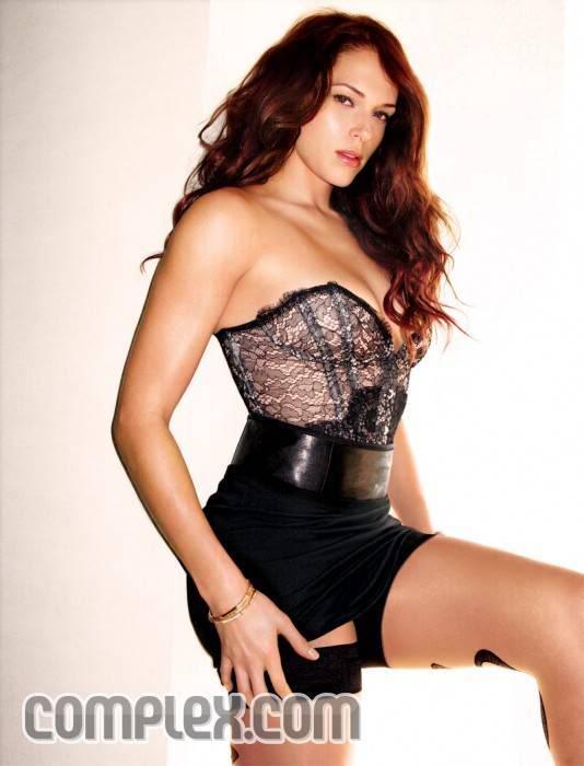 Pretty Amanda Righetti Complex Photoshoot 2009