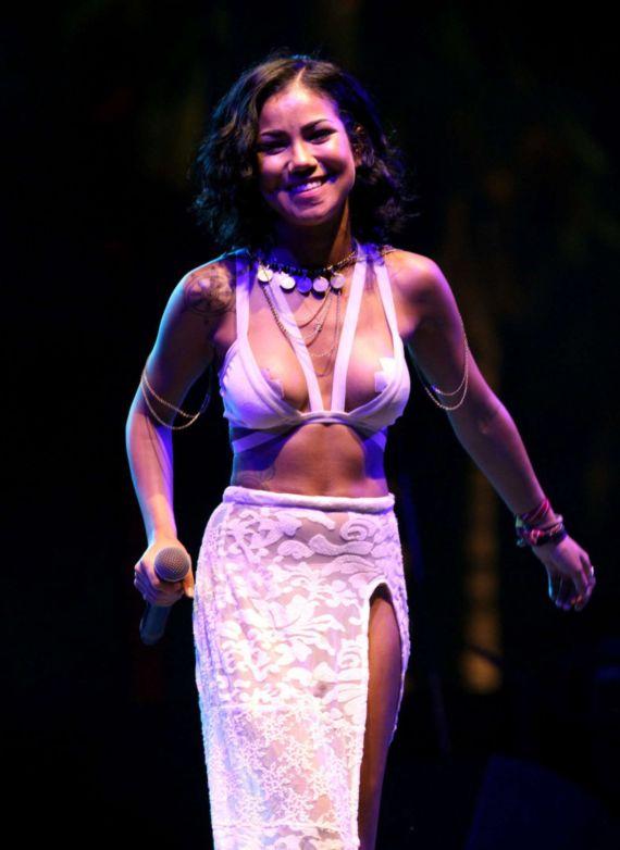 Jhene Aiko Performing At Coachella