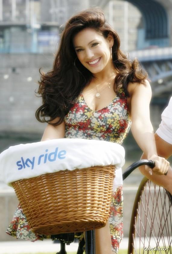 Kelly Brook on a Sky Ride