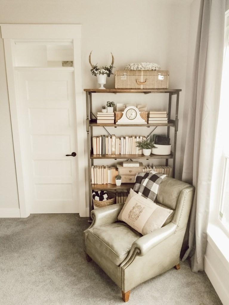create a cozy corner in the bedroom