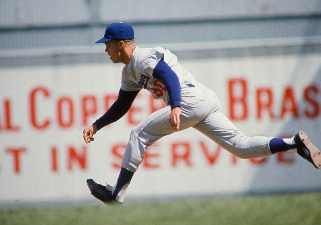 UNDATED: Shortstop Maury Wills @@#30 of the Los Angeles Dodgers running on the basepath during the 1970s. (Photo by Focus on Sport/Getty Images)