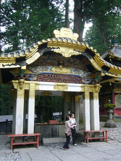 Gold-and-Marble-Shrine