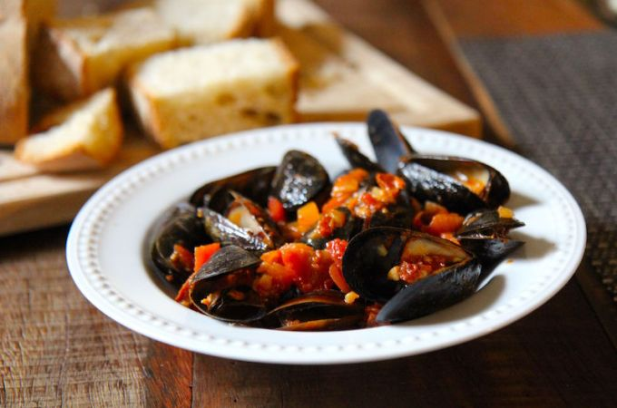 Mussels with White Wine, Lemon and Chorizo – Dairy Free