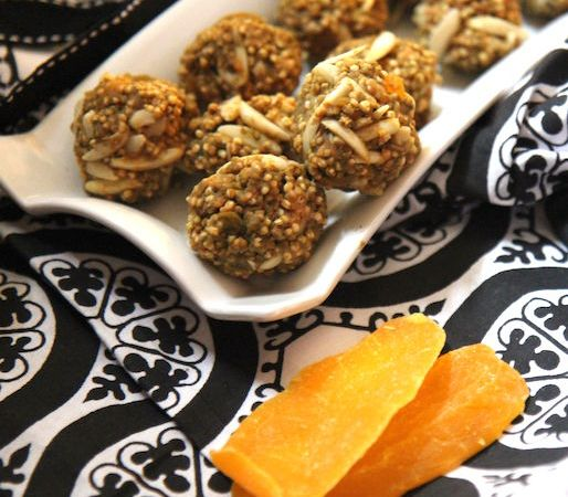 Puffed Quinoa Energy Bites with Mango and Almonds – No Bake, Vegan, Gluten-Free!