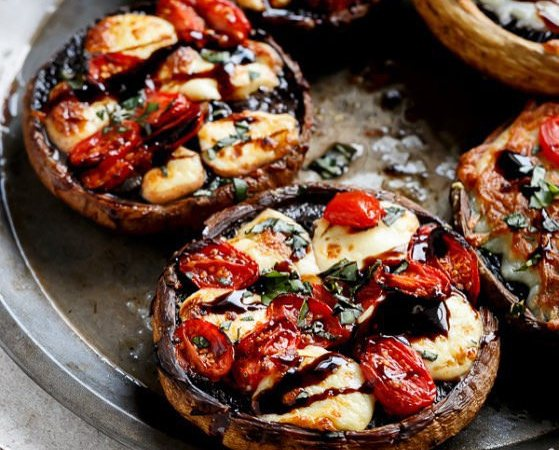 Low Carb Margherita Pizza with Portobello Mushroom Crust