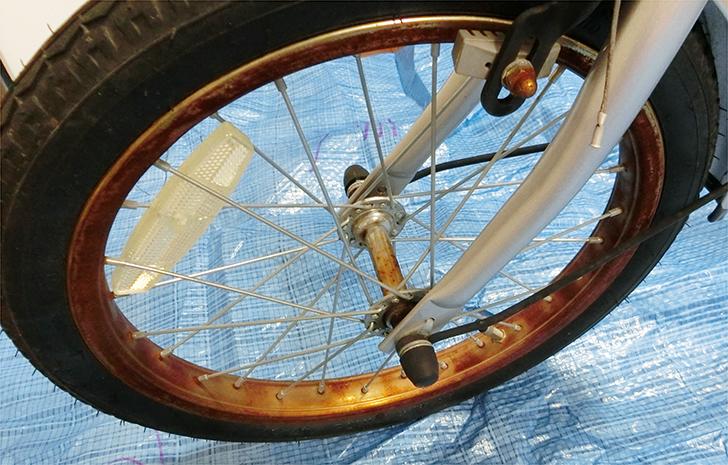 自転車のサビ取り前