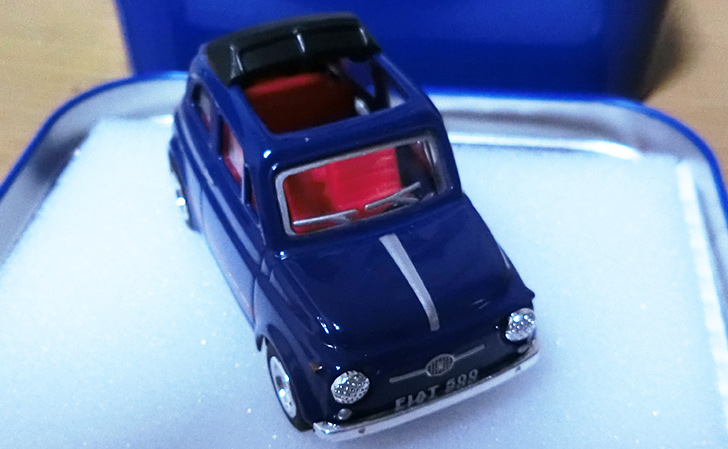 FIAT500ミニカー(旧型:レッド オープンルーフ)