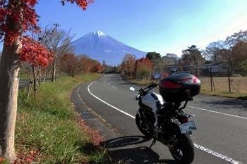 富士山とMT-07