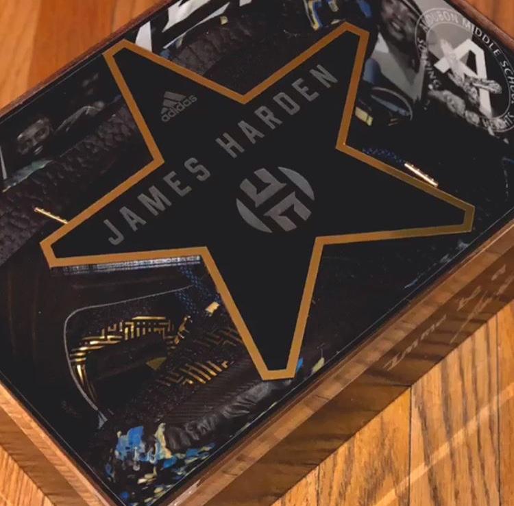 アディダス ジェームズ・ハーデン Vol.2 MVP スペシャルボックス
