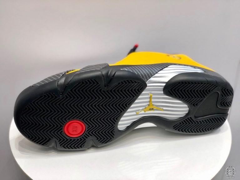 エア ジョーダン14 フェラーリ ユニバーシティー ゴールド