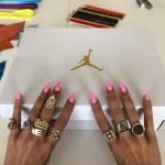 メロディー・エサニが「ME x エア ジョーダン1」サンプルモデルを入手!