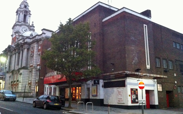 Woolwich Grand Theatre, 24 November 2013