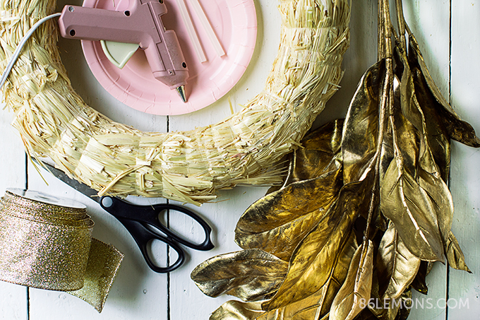 DIY Gold Leaf Wreath - super easy and fast #diy