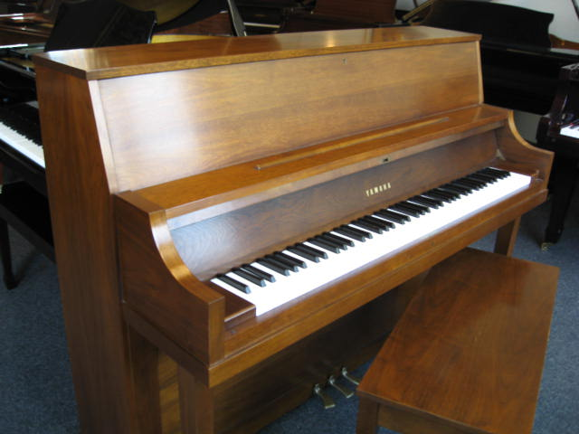 yamaha model p22 studio upright piano. Black Bedroom Furniture Sets. Home Design Ideas