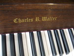 Charles Walter model 403 Console