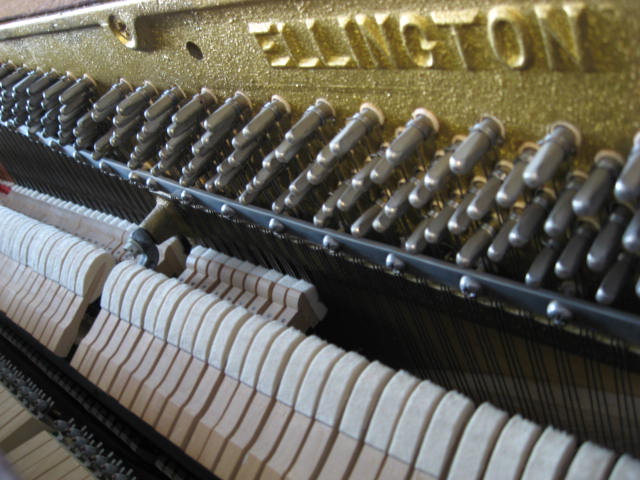 Ellington spinet piano by Baldwin