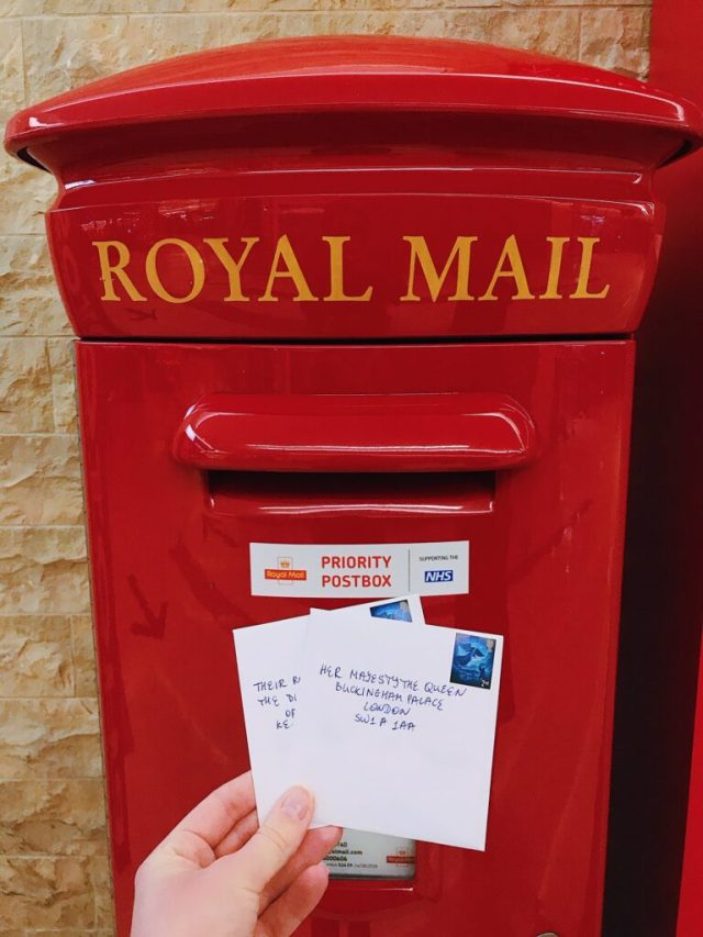 How to write a letter to The Queen - Discover with Dasha