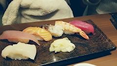 池袋キャバクラはちみつくろーばー しずか お寿司