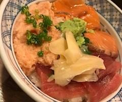 池袋JK制服キャバクラ【はちみつくろーばー】きり 海鮮丼