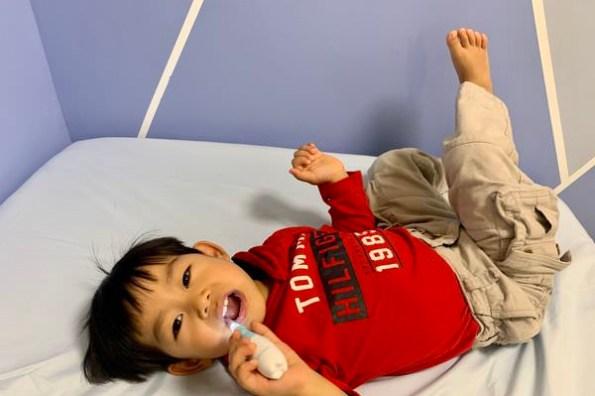 [育兒] 每天最重要的小事!訓練從小就喜歡刷牙的小妙招 Babymate 幼兒/兒童 音波/聲波電動牙刷 1-3歲電動牙刷開箱分享