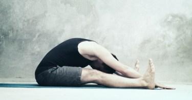 Упражнения на растягивание мышц поясницы