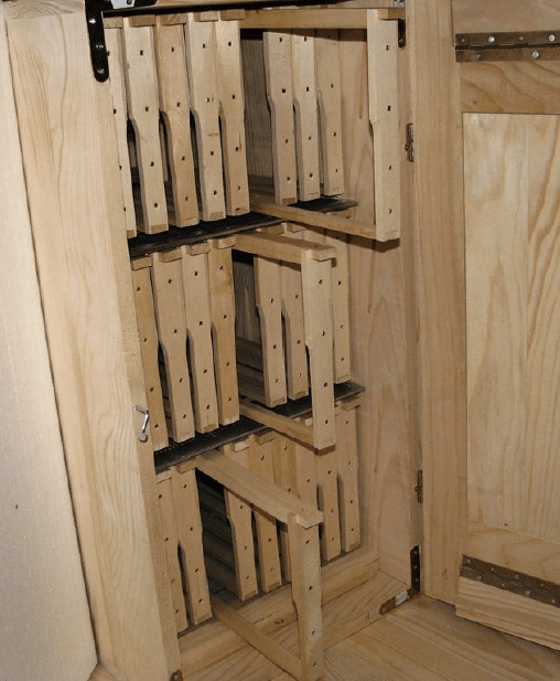 Frames partially removed in an AZ hybrid hive