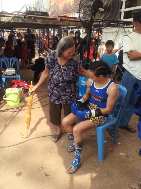 Muay Thai Grandma - NongbuaLamphu Isaan - Sylvie von Duuglas-Ittu