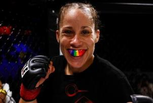 Carmouche - Lesbian - MMA