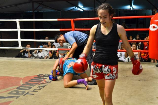 Sylvie after knock out - muay thai