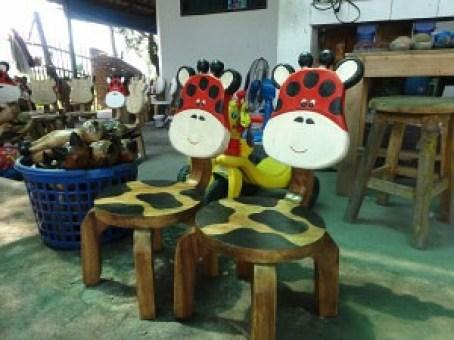 Giraffe Chairs - Hand Painted Hang Dong Handicrafts - Chiang Mai Thailand
