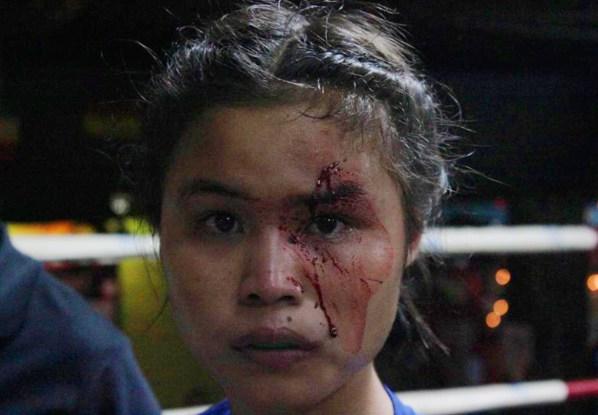 Buagaew ss Chiangmai April 28 2017 Thapae vs. Karla Santai (1)
