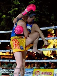 Syvie vs Saya Ito - high knee